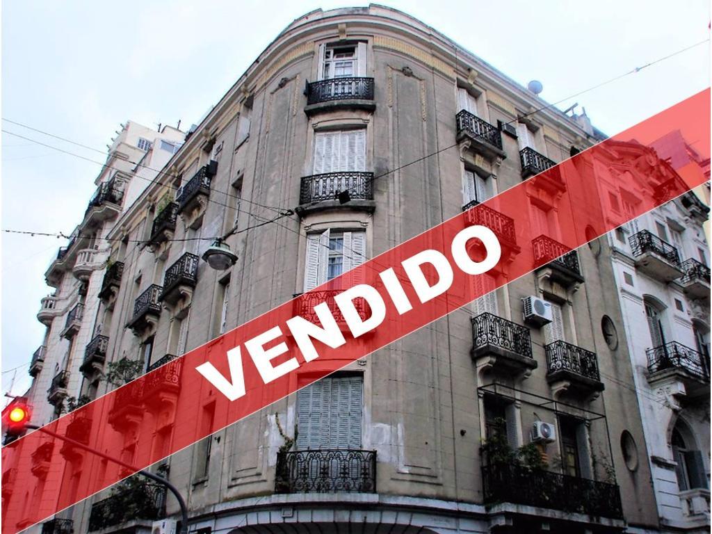 Venezuela 900 - Semipiso 5 Ambientes Al Frente en Esquina