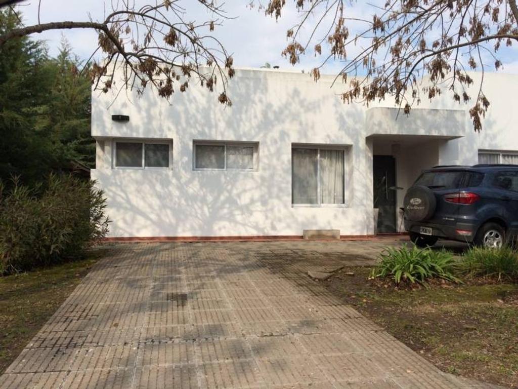 Casa en Venta en Santa Catalina, alquilada hasta septiembre 2018, APTA CRÉDITO.