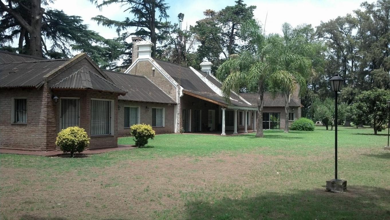 Casco de estancia, 50 hectáreas