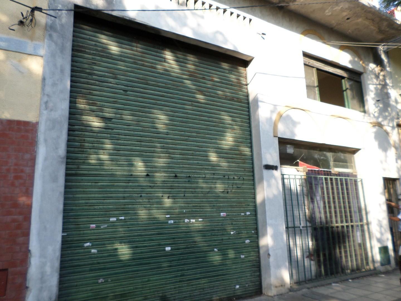 IDEAL INVERSOR - GALPÓN CON LOCAL Y OFICINA 361,71 m2 cubiertos **EXCELENTE UBICACIÓN***