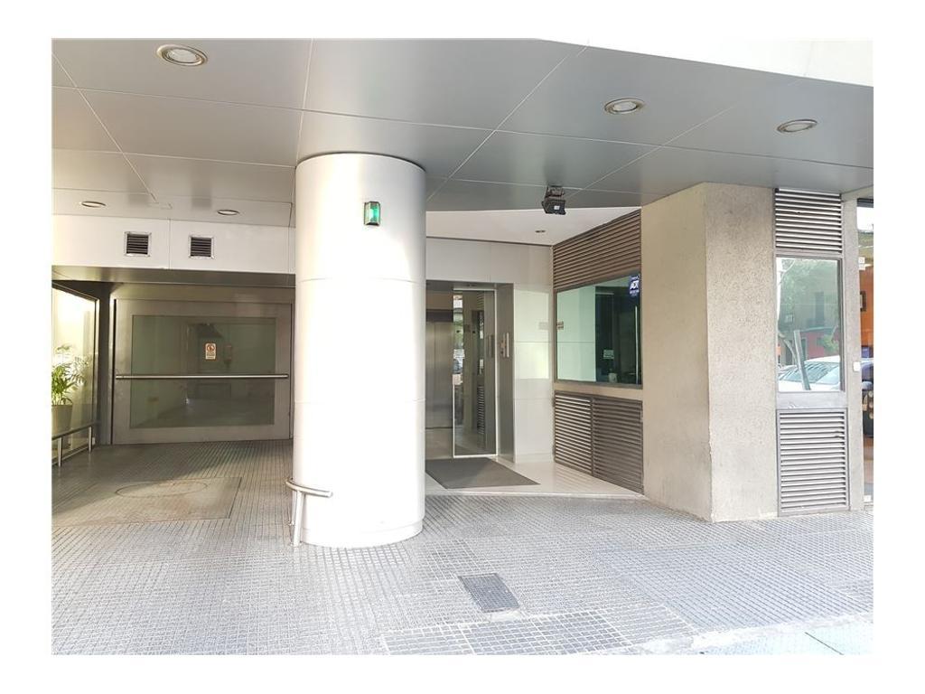 Oficina 50 m2 sobre Libertador en Belgrano