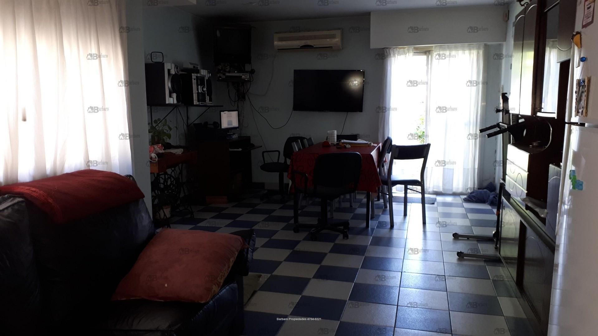 Casa en Venta en Billinghurst - 3 ambientes