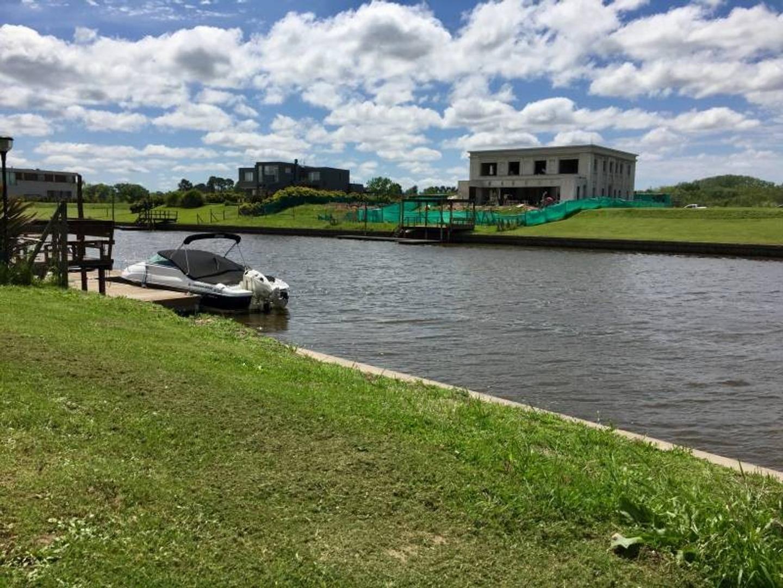 ALBANUEVA | Lote en venta al rio