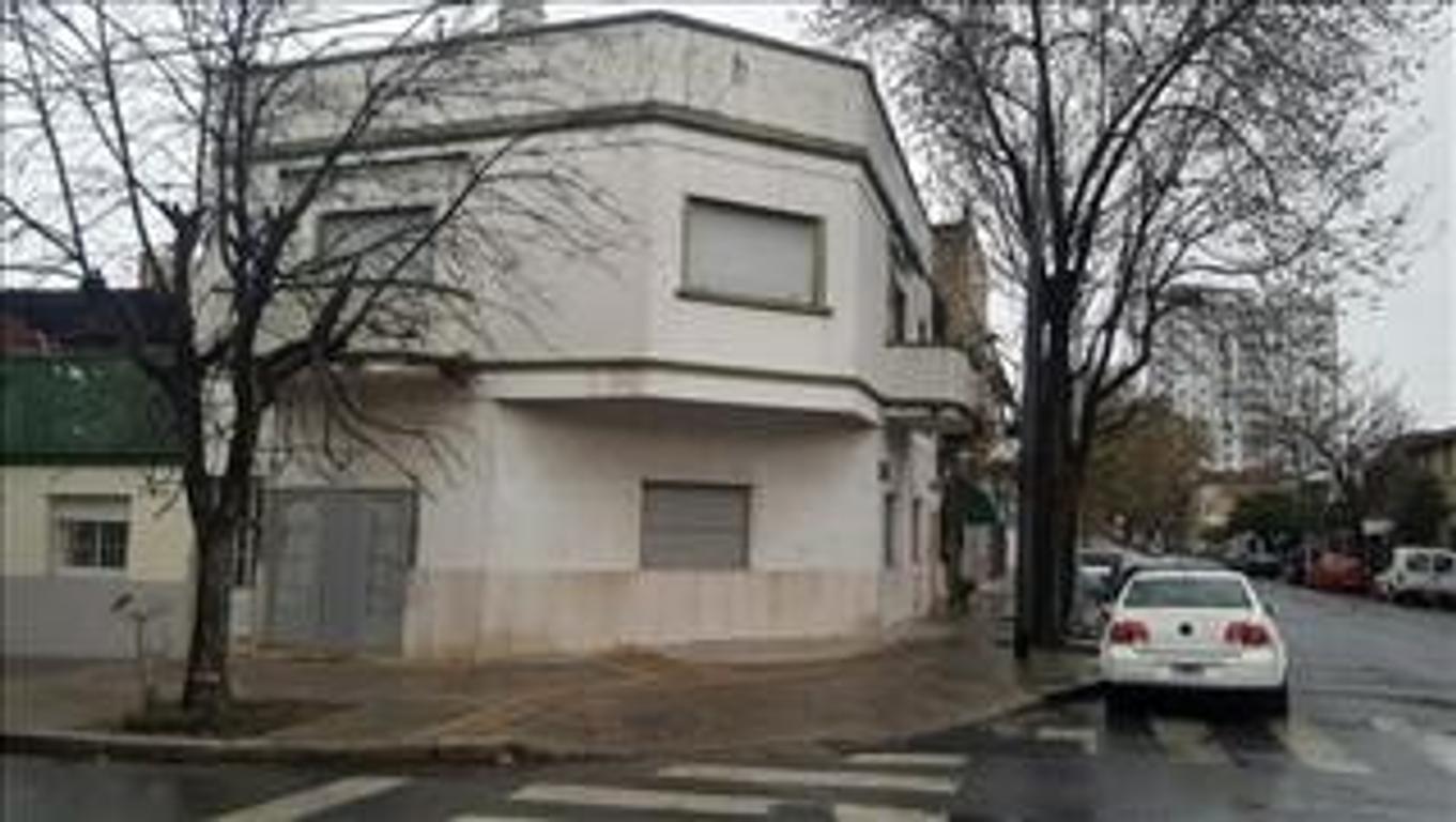 Casa en Venta de 6 ambientes en Capital Federal, Paternal
