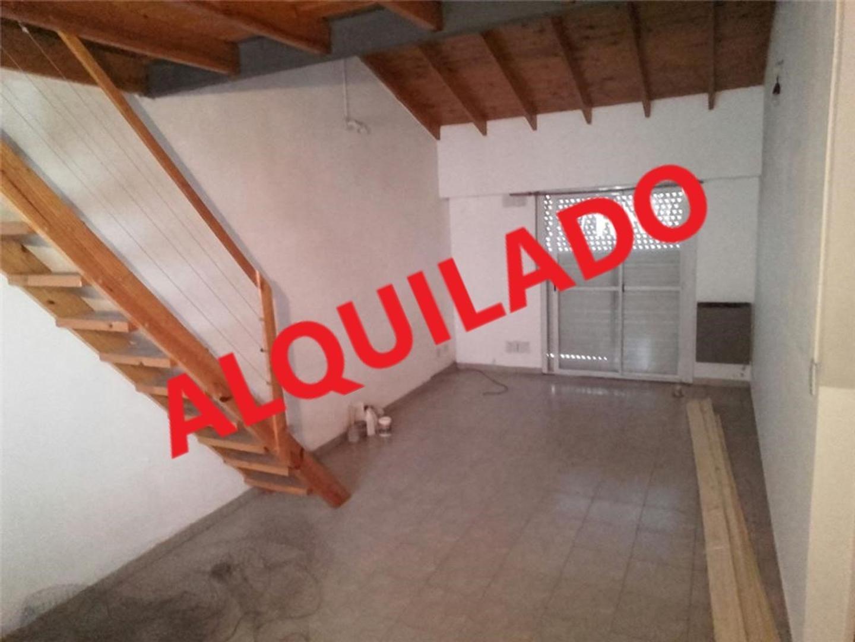 DPTO 2 amb al frente en 1er piso sin expensas a 100 mtrs de la estacion Martin Coronado FFUU