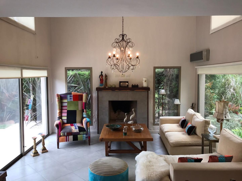 Casa - 198 m² | 3 dormitorios | 3 baños