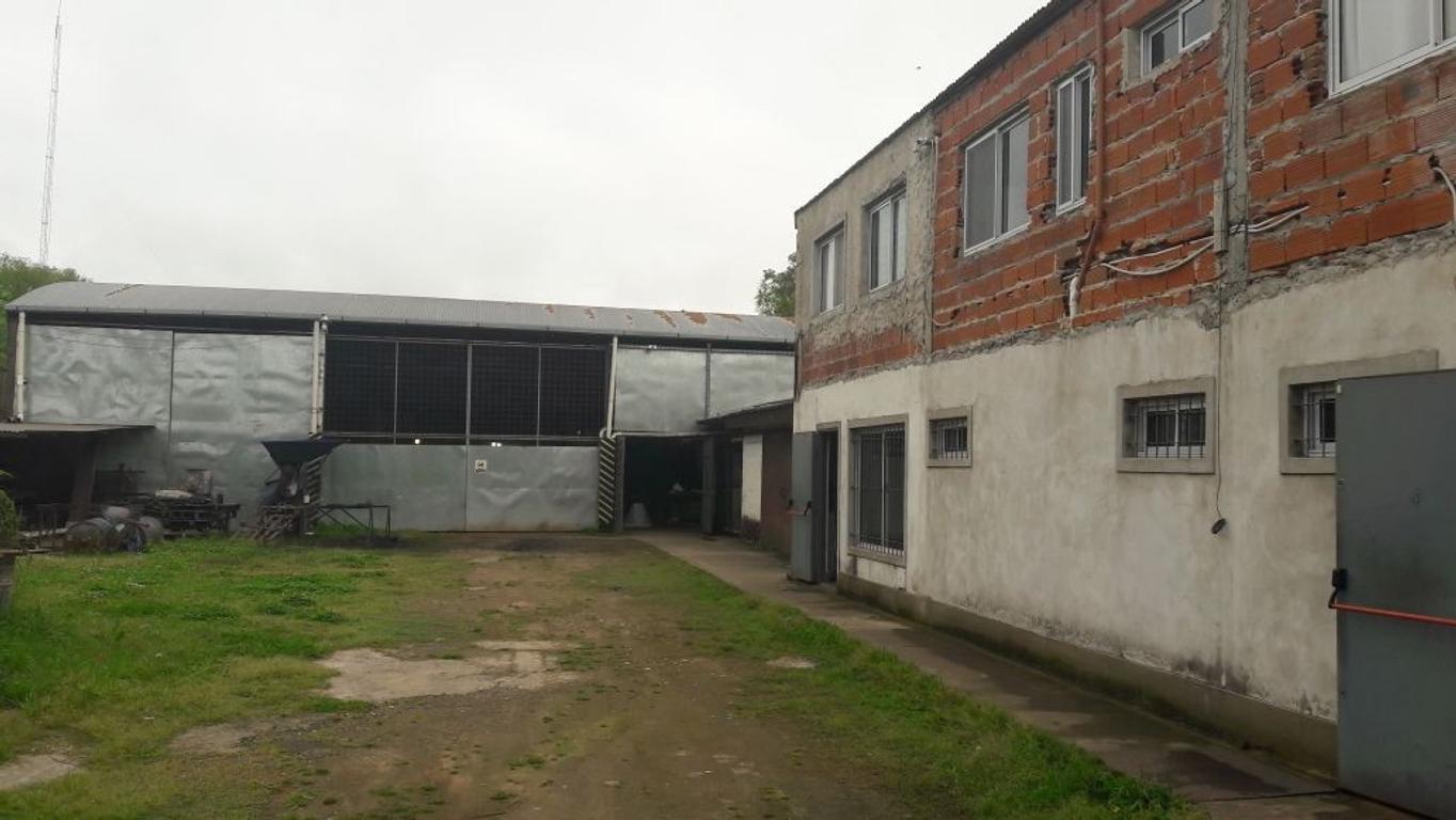 Galpón excelente acceso, 550 m2