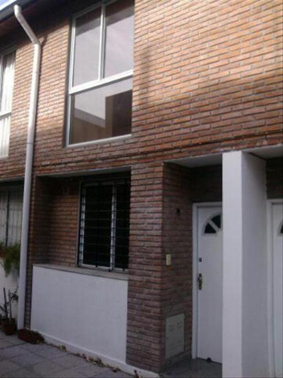 Departamento tipo casa en Alquiler de 3 ambientes en Santa Fe, Pdo. de Rosario, Rosario, Echesortu