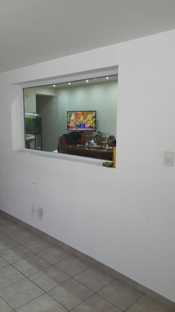 Villa Pueyrredon PH al frente con garaje, 3 dormitorios,3 baños, terraza, patio. Faltan terminciones