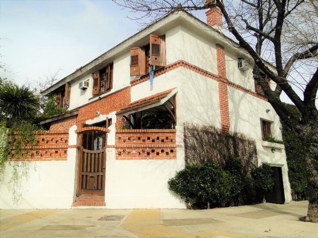 Casa de 4 ambientes estilo ingles, Colegiales
