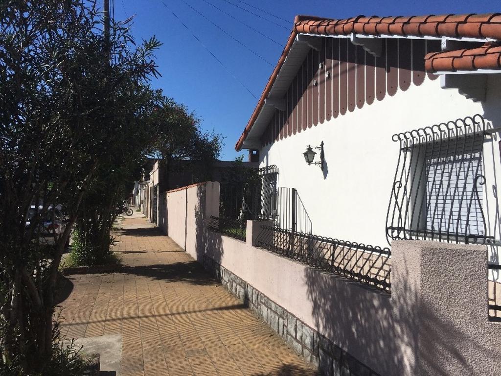 Casa en Venta 4 ambientes con garage