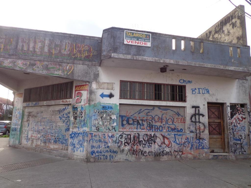 Casa 6 ambientes en Pompeya