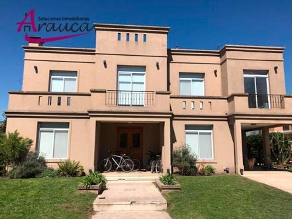 Casa en alquiler en El Rocio. Ubicacion central