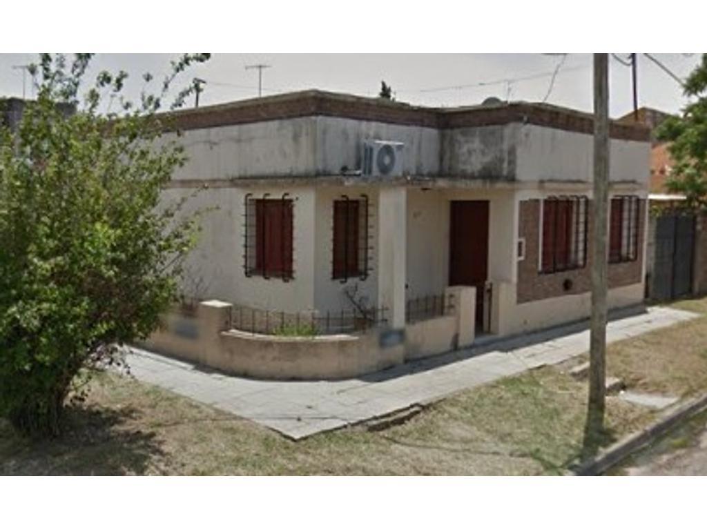 Casa en Llavallol