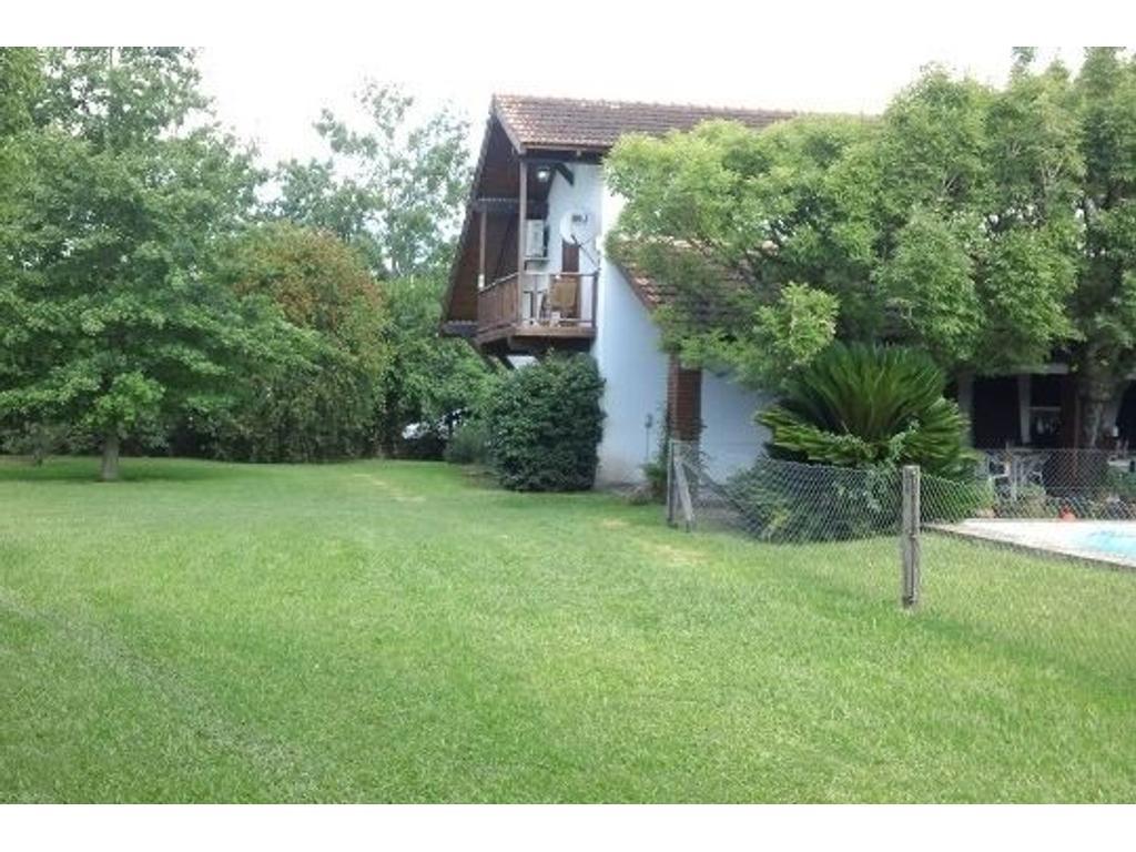 Casa 2 dormitorios a la venta en Roldán. San Marcos y . Excelente estado.