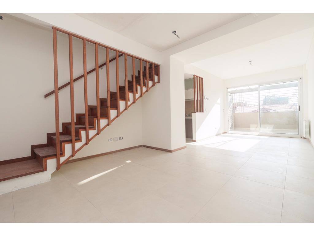 PH en Duplex con balcón terraza y parrilla Villa Urquiza