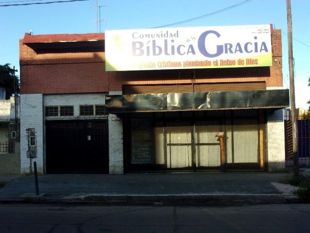 Excelente Galpón c/ Fondo Libre s/ Avenida