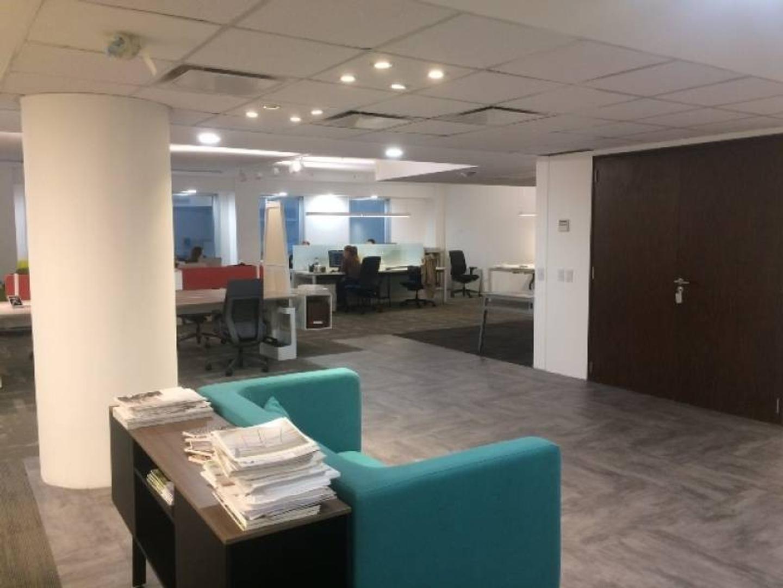 Venta con Renta- Oficina comercial 225 m2 - Edificio Corporativo
