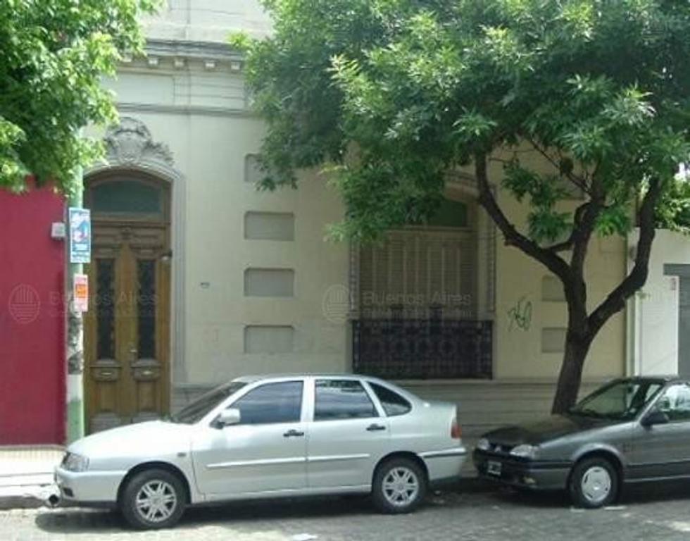Local o casa a reciclar, excelente ubicación en pleno Palermo a mts Plaza Armenia