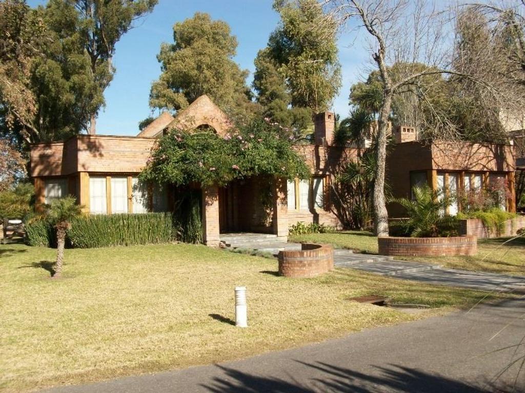 Hermosa casa en Country El Carmen