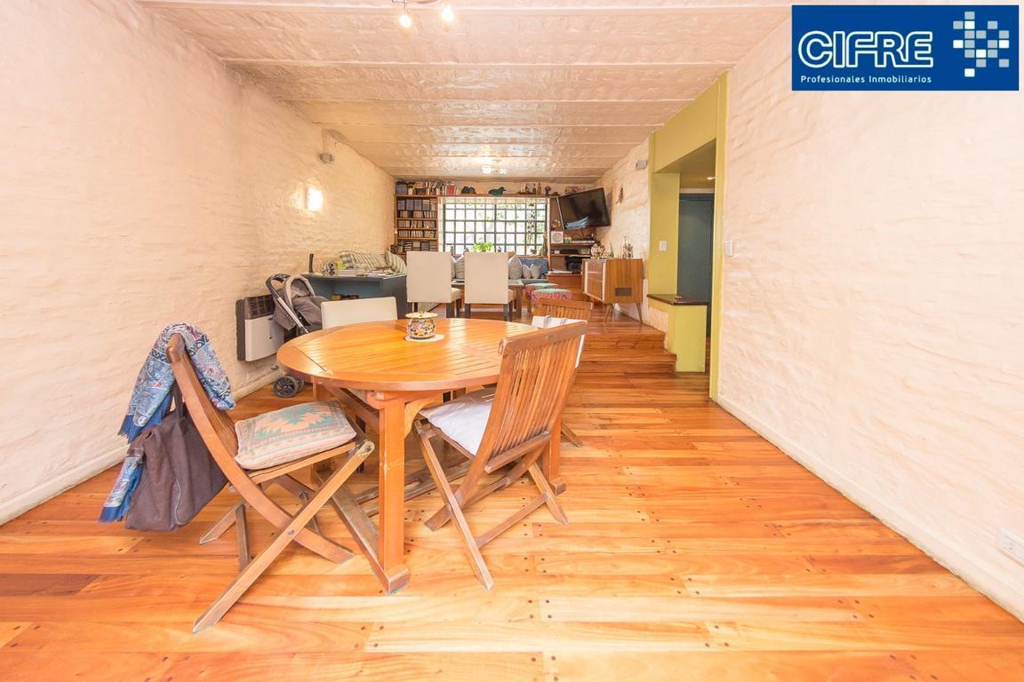 Casa en venta en holmberg 2000 villa urquiza inmuebles for Casa de muebles capital federal