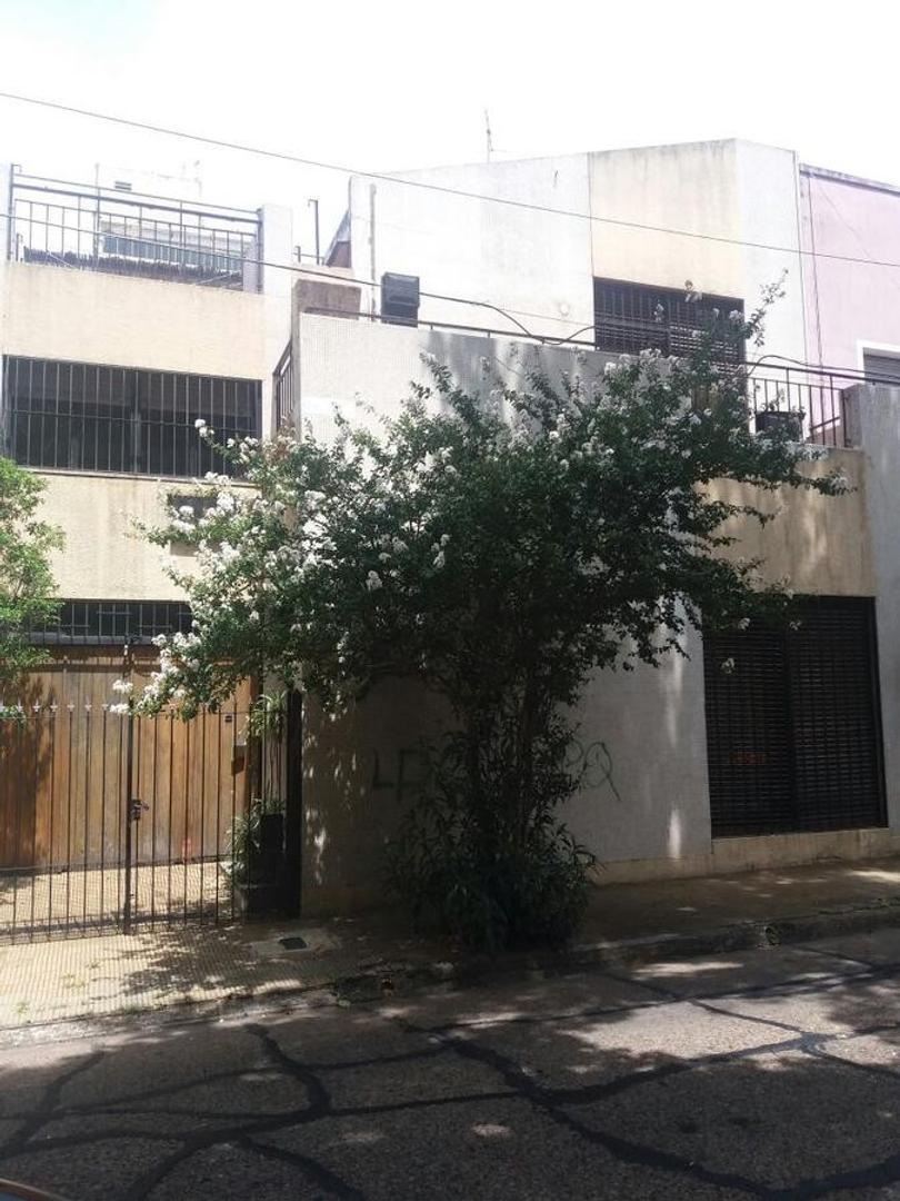 Casa 4 amb. garage, balcón, terraza. apto credito