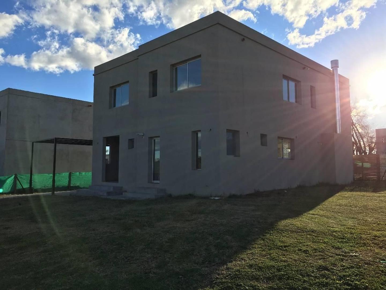 Casa  en Venta ubicado en Santa Guadalupe, Pilar del Este - EII0017_LP158895_2