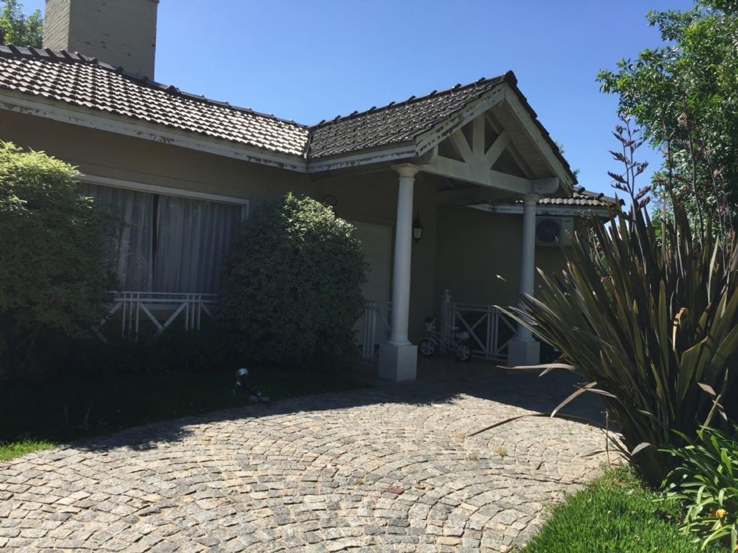 Casa  en Venta ubicado en San Patricio, Zona Oeste - OES0822_LP168136_2