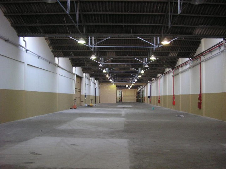 Galpon - 1.600 m² | 5,50 m | 14 m