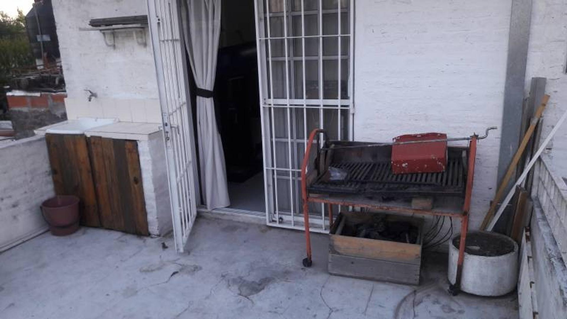 Venta de Casa en Calle Battaglia zona Pilar, Gran Bs.As., Argentina.