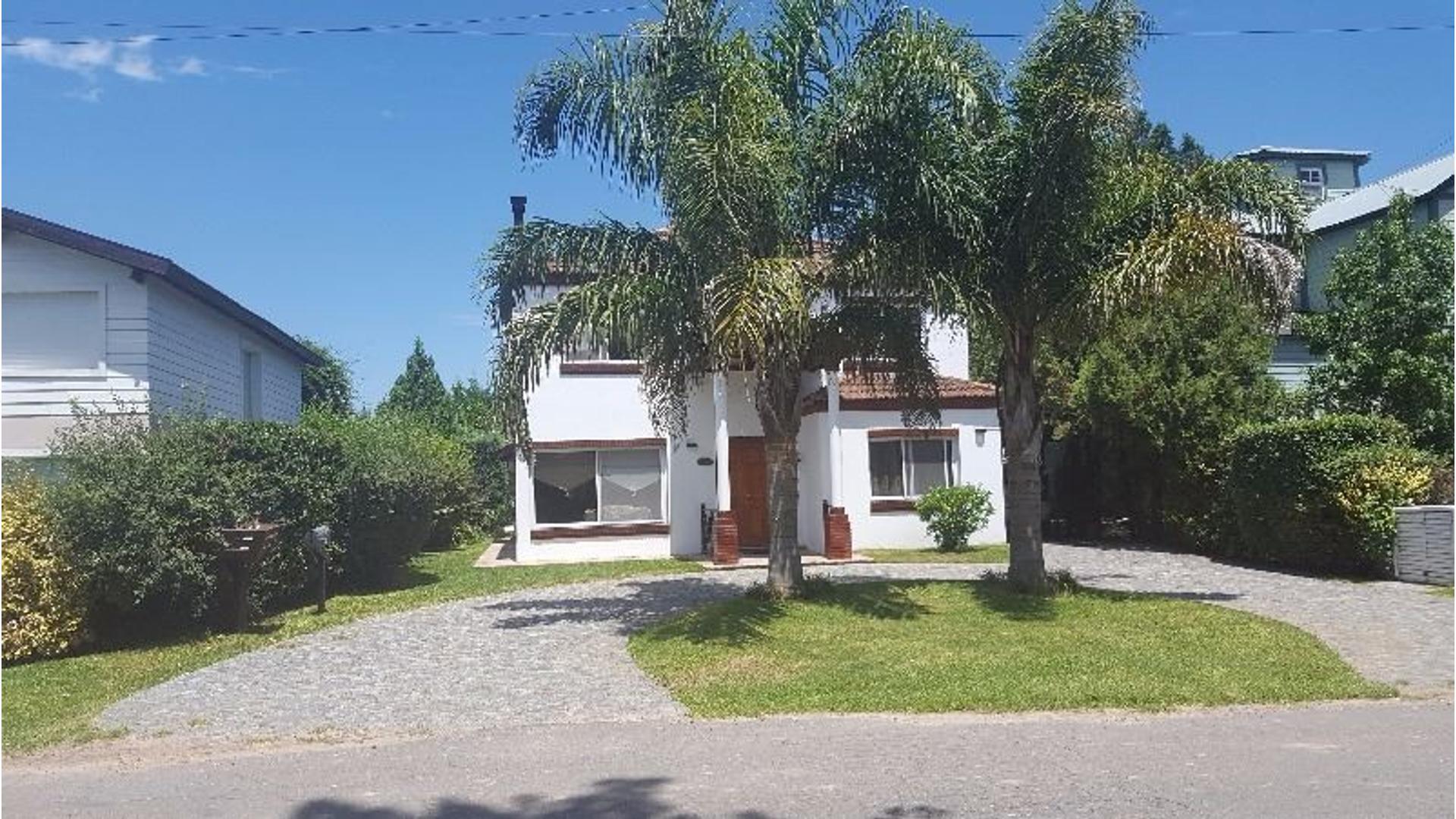 Excelente casa en Náutico Escobar con 350 m2 cubiertos