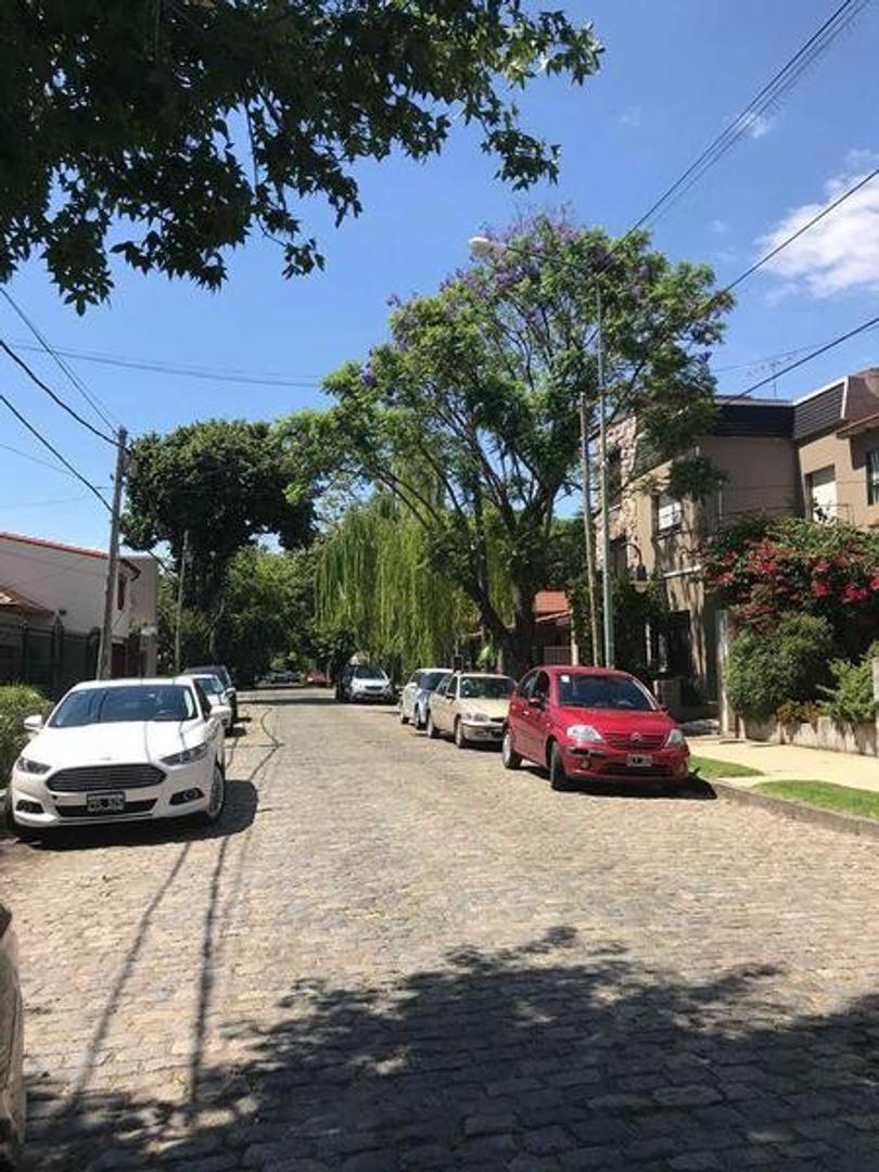 Casa en Venta - 5 ambientes - USD 880.000