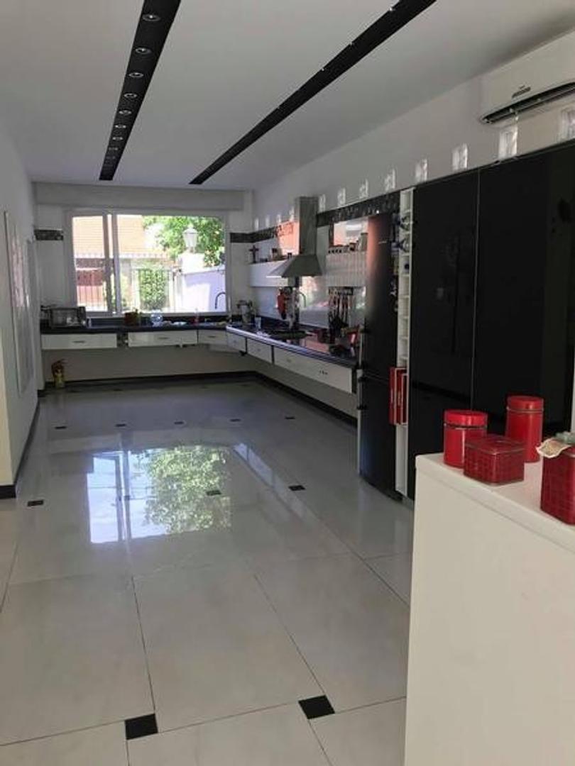 Casa - 531 m² | 4 dormitorios | 1 año