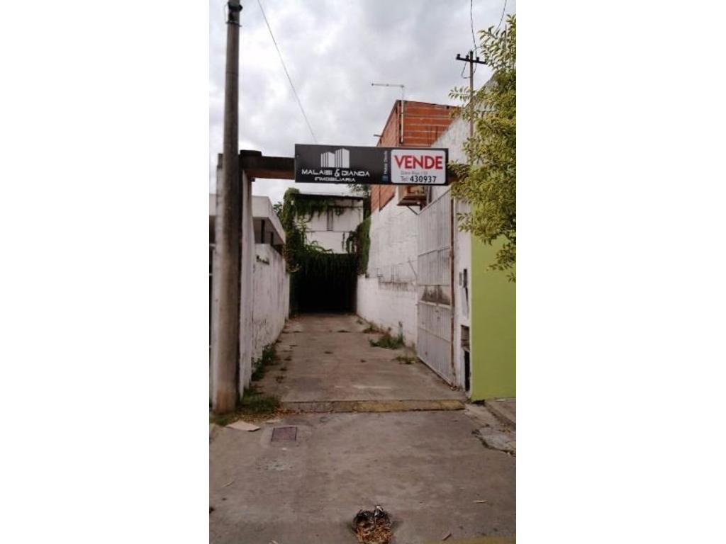 GALPON CENTRICO + DEPTO DE 2 DORMITORIOS - PLENO CENTRO DE VILLA CONST.