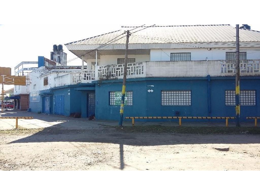 AV. SAN MARTIN ESQ. SAENZ PEÑA - IMPORTANTE OFICINA DE 12O MTS