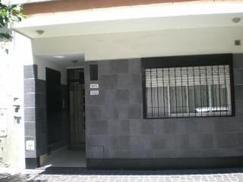 Departamento Tipo Casa PB 2 AMB C/ PEQUEÑO PATIO CUBIERTO Y LAVADERO
