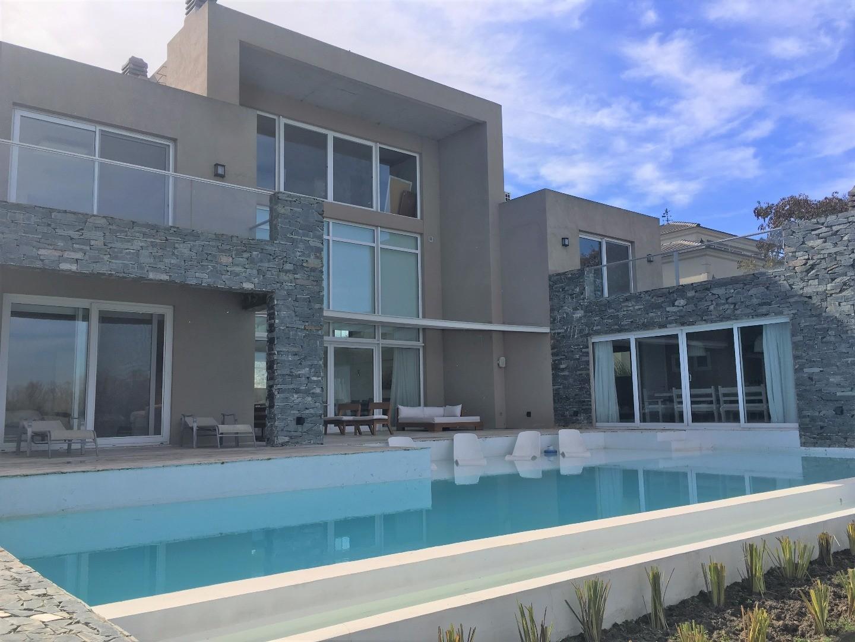 Casa en Alquiler en Nordelta El Golf - 5 ambientes