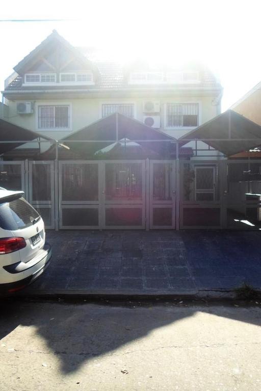 Casa - 5 Ambientes - Carapachay