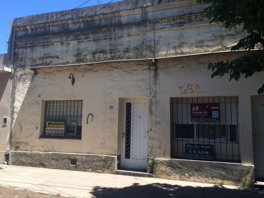 Excelente oportunidad para inversionista en el centro de Marcos Paz !!.