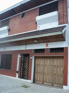Hermoso PH 4 amb al frente,  entrada independiente,  patio, terraza, cochera cubierta.