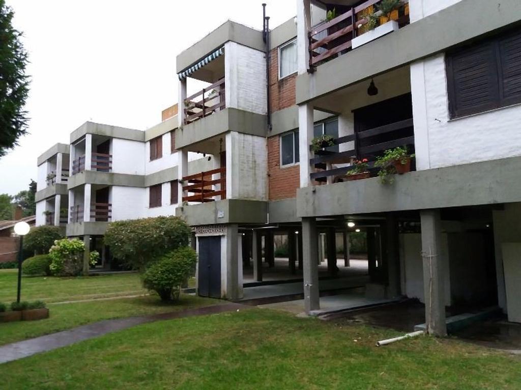 En venta , Barrio Norte, Villa Gesell,a 3 cuadras del mar, excelente departamento 4 ambientes