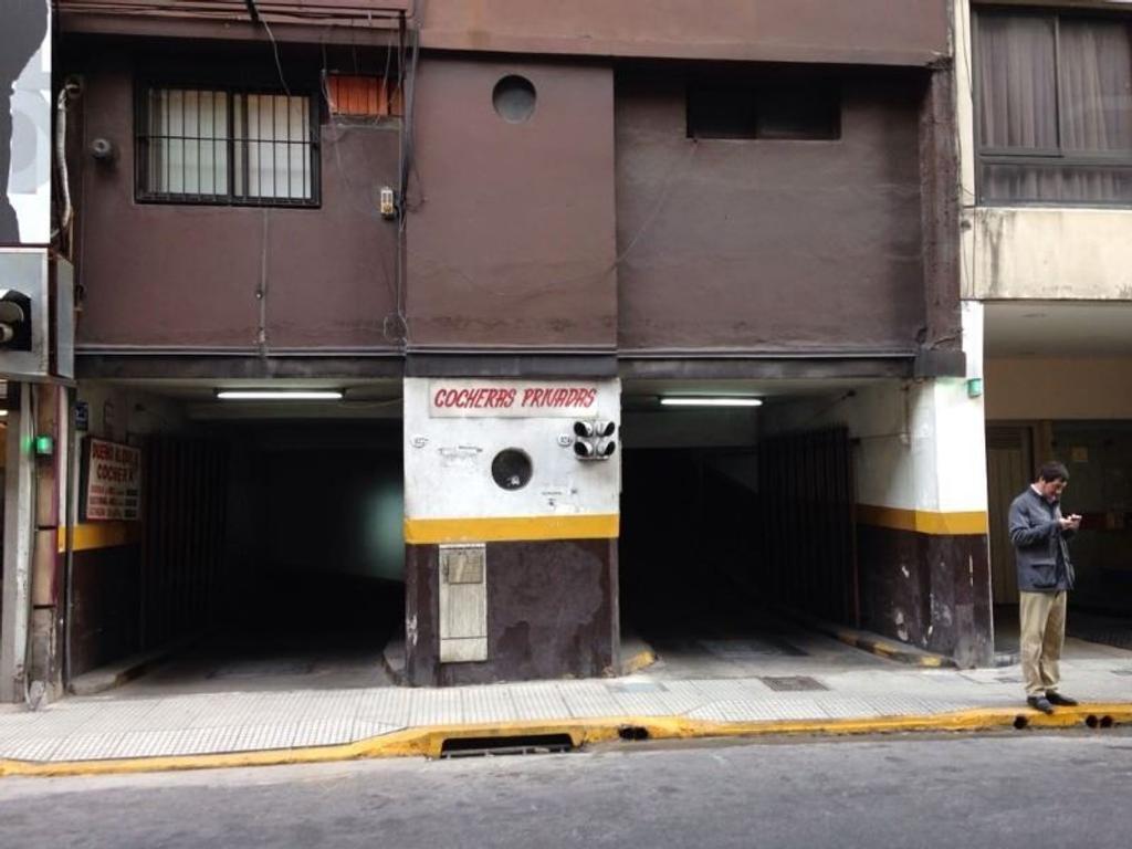 Cochera - Paraguay 924 y Av. 9 de Julio - Gran accesibilidad y espaciosa