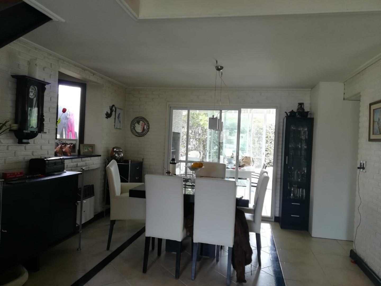 Casa en Venta - 6 ambientes - USD 220.000