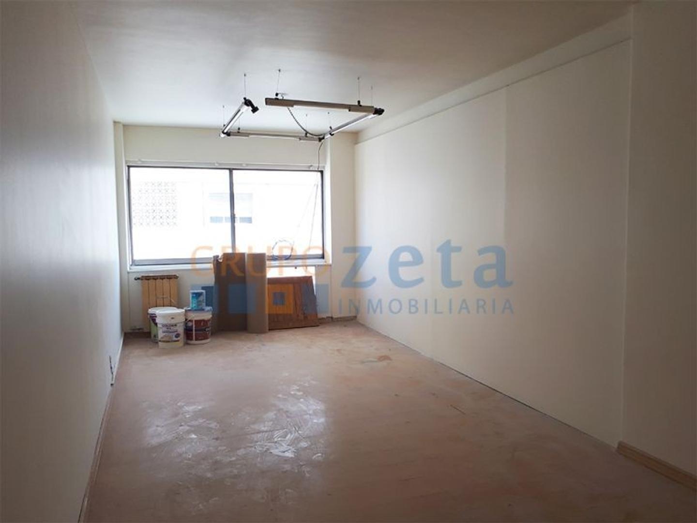 Alquiler Oficina Centro Microcentro Cochera Seguridad 24 hs