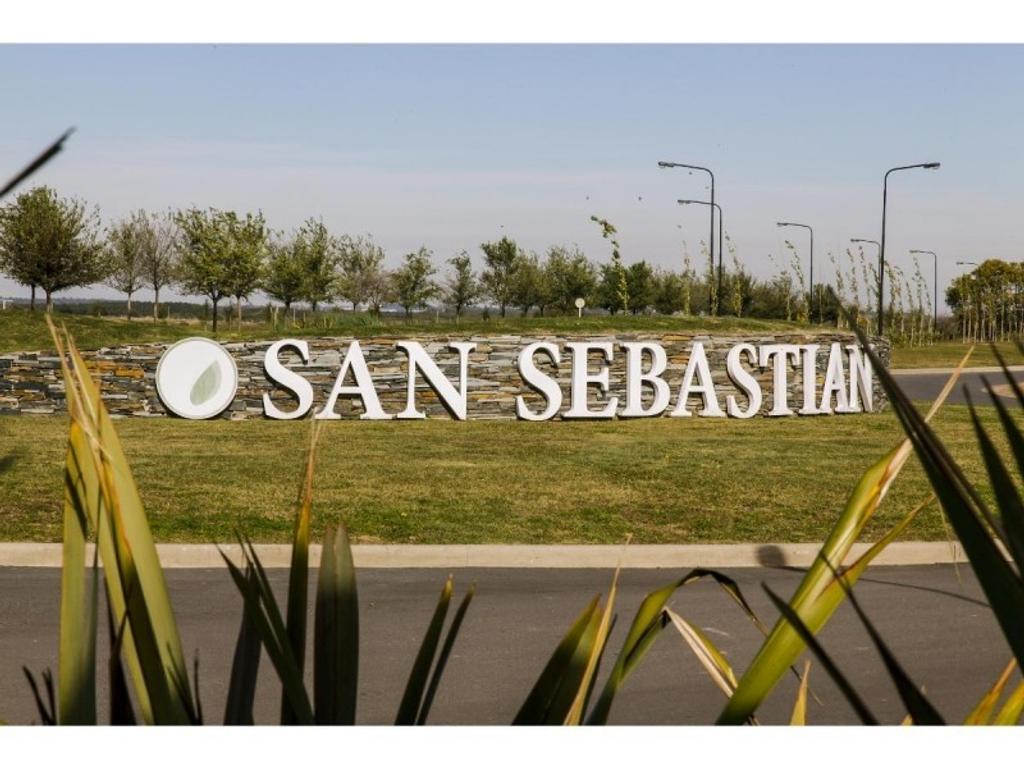 Venta terreno 170 area 9 Laguna en el barrio San Sebastian en Escobar