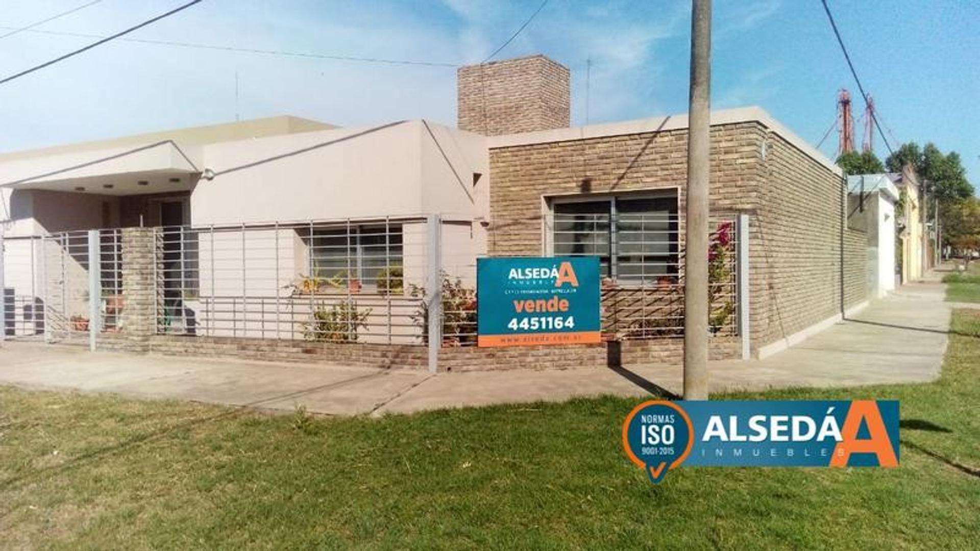 Casa en Venta en Alvarez - 4 ambientes
