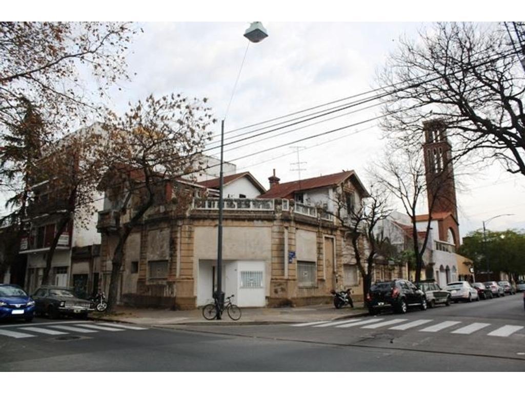 Casa en venta en mercedes 2500 villa devoto argenprop for Casa de azulejos en capital federal
