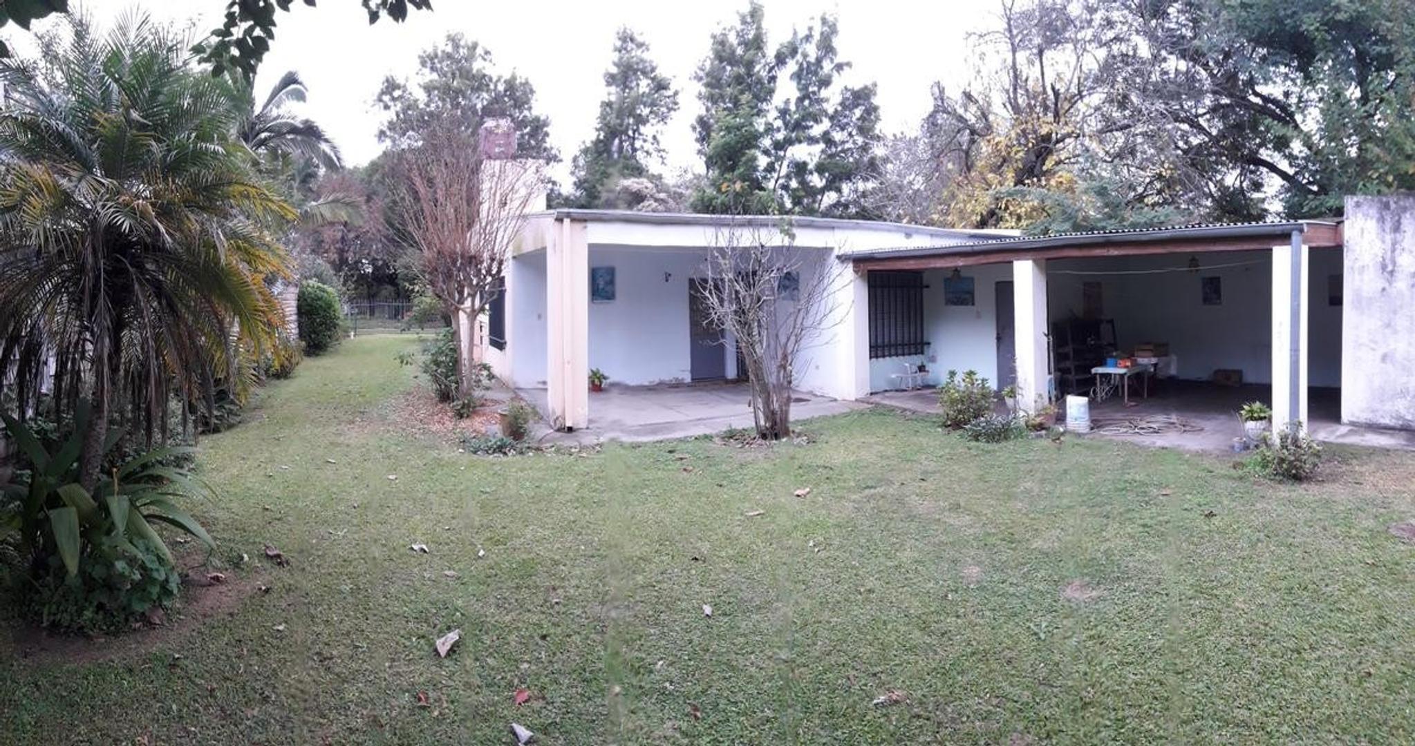 COLASTINE a 50 mts RP1, casa con 4 dormitorios y gran patio