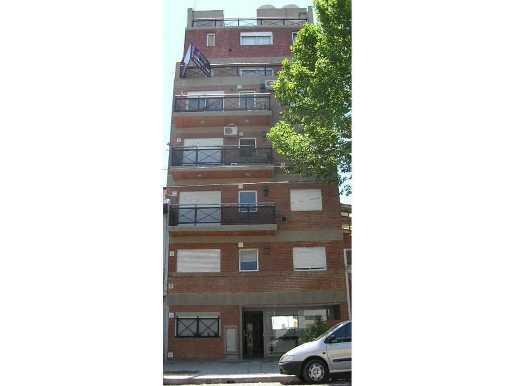 RESERVADO.venta 2 amb frente balcon sueperluminoso Cullen al 5700