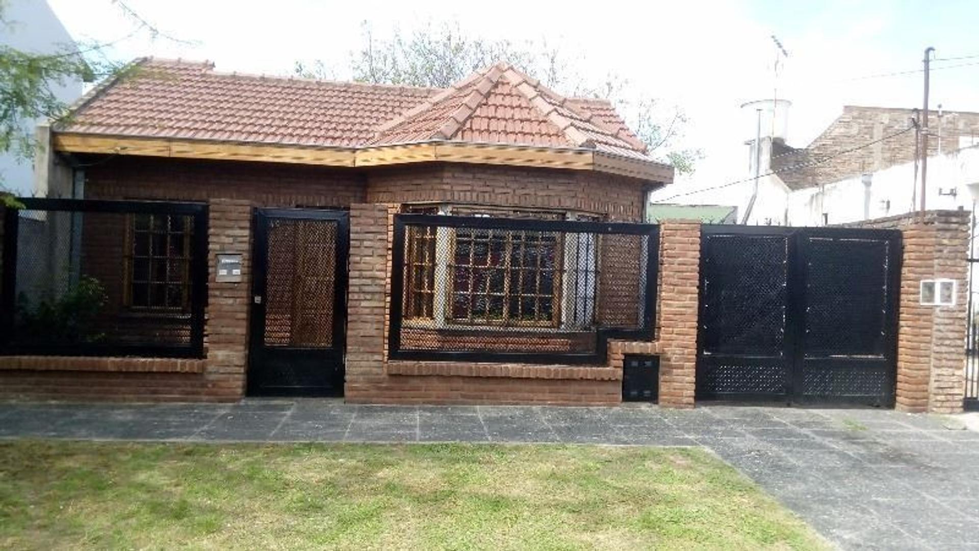 Casa Muy Buena